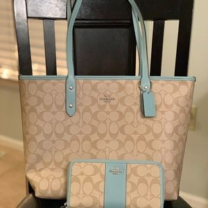 Coach Signature City Zip Tote and Wallet